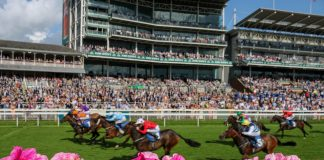 GULLIVER gained a 16-1 win to land the Coral Sprint over 6 furlongs at York