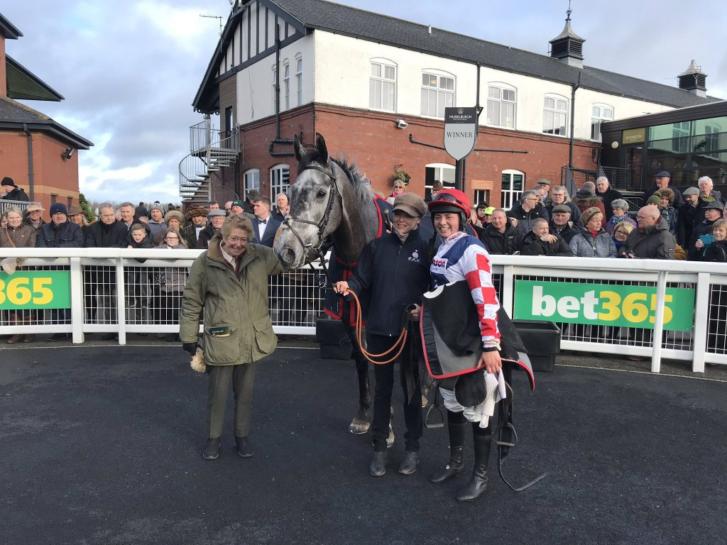 Southfield Stone (10-11) trained by Paul Nicholls and ridden by Byrony Frost, completed the treble