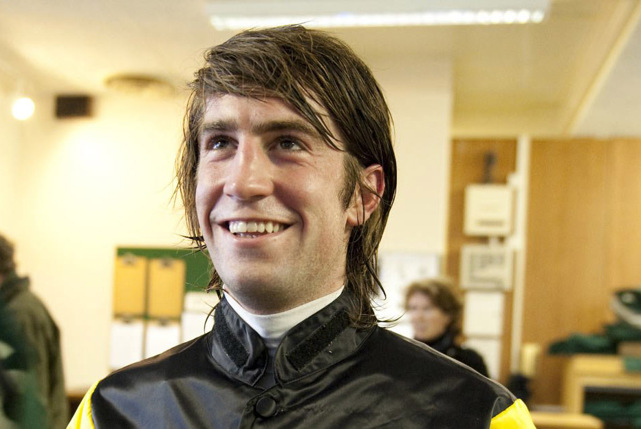 Jockey turned trainer Christian Williams saddles 33-1 shot Uno Mas at Wincanton.